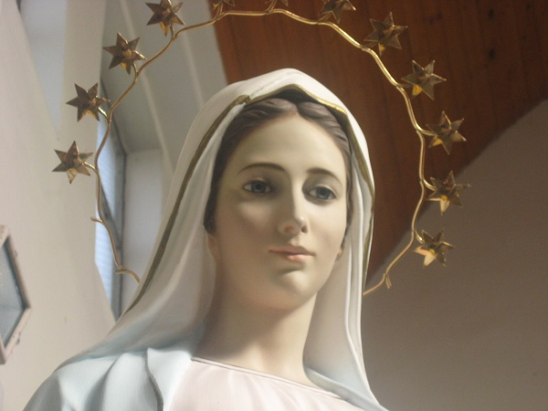 Maria fala aos escoseses para amar