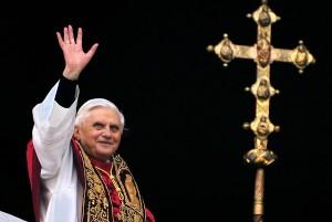 Comissão pode terminar com a saída de Bento XVI