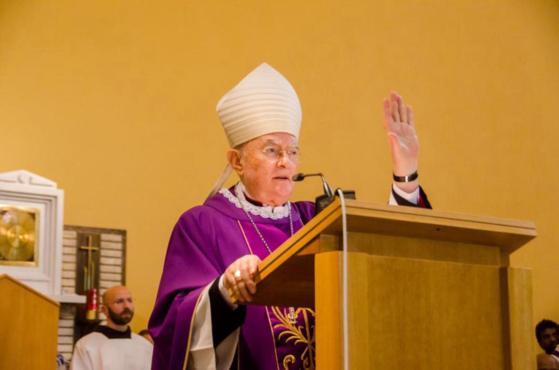 A homilia edificante do Arcebispo Hoser (Enviado Papal) em Medjugorje.