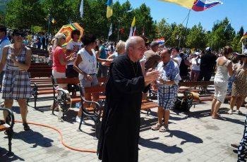 """Don Armando Loffredi: """"Uma viagem a Medjugorje muda a sua vida!"""""""