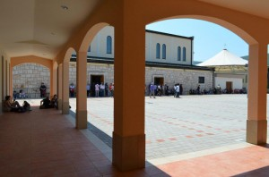 Novos confessionários mudam a área da igreja