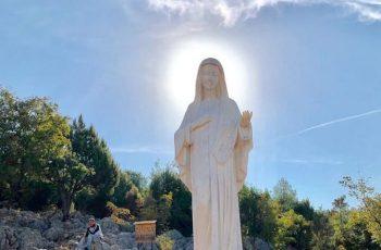 """Vidente Marija afirma: """"Nossa Senhora olha para nós com os olhos do Paraíso !!!"""""""