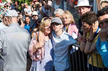 Jovem paralítico caminha após aparição em Medjugorje !!!